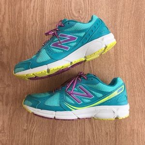 New Balance 561v2 running shoes sz 8.5